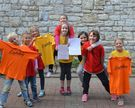 Kinder in Cantolino-Shirts